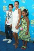 Vanessa Williams and family — Stock Photo