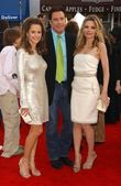 Kelly Preston with John Travolta and Michelle Pfeiffer at the Los Angeles premiere of Hairspray. The Mann Village Theatre, Westwood, CA. 07-10-07 — Stock Photo