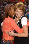 Holly Robinson Peete and Lauren Holly — Stock Photo
