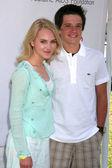 AnnaSophia Robb, Josh Hutcherson — Stock Photo