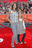 Teri Hatcher and daughter Emerson — Stock Photo