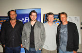 Vince Vaughn and Seth Gordon with Steve Wiebe and Tony Hawk — Stock Photo