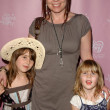 Annie Duke and Daughters — Stock Photo