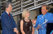 Mike Curb with Debby Boone and Pat Boone — Stock Photo