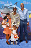 Kobe Bryant and family with Kareem Abdul Jabbar — Stok fotoğraf