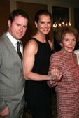 Chris Henchy with Brooke Shields and Nancy Reagan — Stock Photo