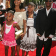 Постер, плакат: Niecy Nash and family