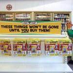 Постер, плакат: Simpsons Kwik E Mart Opens
