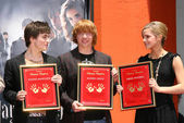 Daniel Radcliffe with Rupert Grint and Emma Watson — Stock Photo