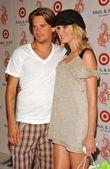 Sean Stewart and Kimberly Stewart — Stock Photo