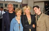 Bruce Davison and Lin Shaye with Cindy Pickett and Seth Peterson — Stock Photo