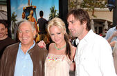Jimmy Buffett with Brie Larson and Luke Wilson — Stock Photo