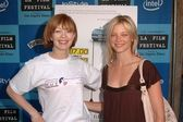 Frances Fisher and Amy Smart — Stock Photo