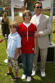 Arnold schwarzenegger en familie — Stockfoto