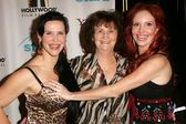 Jackie Watson, Flora Price and Phoebe Price — Stock Photo