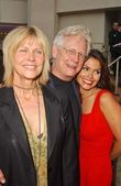 Bruce Davison with Cindy Pickett and Farah White — Stock Photo