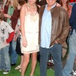 Brie Larson and Jimmy Buffett — Stock Photo #16433751