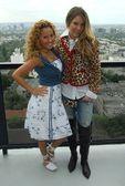 Adrienne bailon и белинда перегрин — Стоковое фото