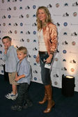 Lucy Lawless and her sons — Foto de Stock