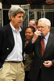 上院議員ジョン ・ ケリー氏と、lausd 監 roy romer — ストック写真