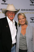 Lynn Anderson and friend — Stock Photo