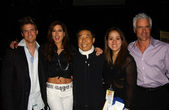 Shen Hsu with Kerri Kasem and friends — Stock Photo
