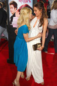 Samaire Armstrong and Lindsay Lohan — Stock Photo