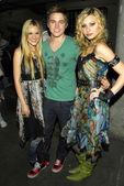 Alyson Michalka, Jesse McCartney, Amanda Michalka — Stock Photo