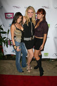 Scarlet Garcia with Erika Rumsey and Anna Chudoba — Stock Photo
