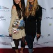 Vanessa Anne Hutchinson and Ashley Tisdale — Foto Stock