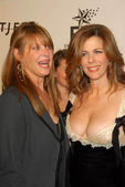 Kate Capshaw and Rita Wilson — Stock Photo
