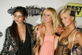 Caroline D'Amore, Kimberly Stewart and Paris Hilton — Stock Photo