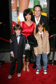 Adrienne Barbeau and Billy Van Zandt with their sons William and Walker at the Wizard of Oz, Ruby Red Slipper DVD Gala Screening, Samuel Goldwyn Theatre, Beverly Hills, CA 10-19-05 — Stock Photo