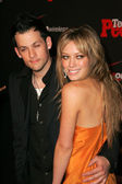 Joel Madden with Hilary Duff at the Teen 's 4th Annual Artists of the Year Party, Element, Hollywood, CA 11-22-05 — Stock Photo
