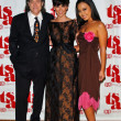 Постер, плакат: Richard Lewis with Jennifer Love Hewitt and Gina Hirazumi