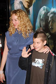 Virginia Madsen and son Jack — Stock Photo