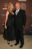 Michelle Moran and Michael Chiklis — Stockfoto