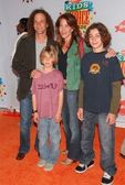 Kenny G and Family at Nickelodeons 19th Annual Kids Choice Awards. Pauley Pavilion, Westwood, CA. 04-01-06 — Stock Photo
