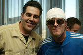 Adam Carolla and Puddle of Mud at a live taping of the Adam Carolla Radio Show. Ghost Bar, Palms Hotel, Las Vegas, NV. 03-09-06 — Stock Photo