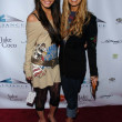 Vanessa Anne Hutchinson and Ashley Tisdale — Foto de Stock