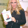 "Jenny McCarthy Signs ""Belly Laughs"" - Foto de Stock"