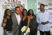 Anthony Anderson and family — Stock Photo