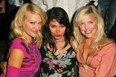 Barbara Moore, Devin DeVasquez, Kelly Vaughn — Stock Photo