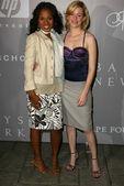 Kerry Washington and Elizabeth Banks at the Fall 2005 Proenza Schouler Fashion Show benefitting the Rape Foundation, Private Location, Santa Monica, CA 04-28-05 — Stock Photo