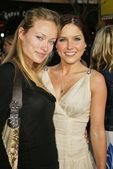 Olivia Wilde and Sophia Bush — Foto de Stock