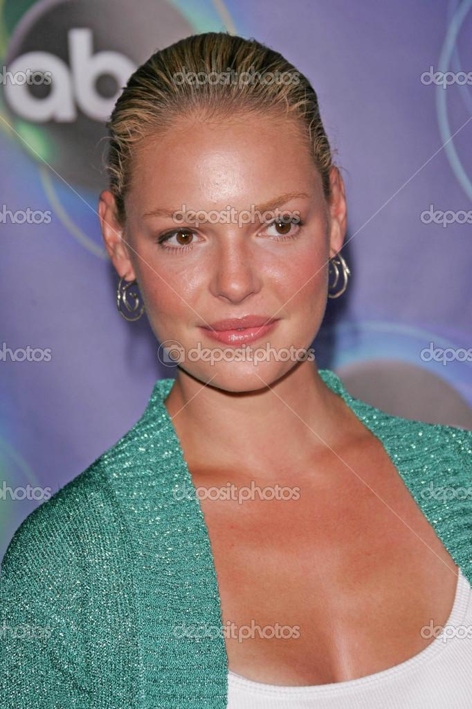 Katherine heigl à l&#39;abc 2005 summer press tour des étoiles fête, <b>abby, west</b> ... - depositphotos_16671947-Katherine-heigl-at-the-abc