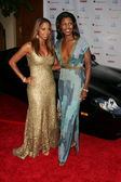 Holly robinson peete en omarosa manigault stallworth — Stockfoto