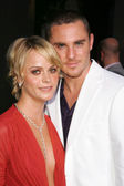 Taryn Manning and Derek Magyar — Stock Photo