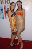 Ksenia Linkova and Katia Jones — Stock Photo