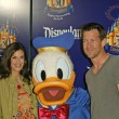 Teri Hatcher, Donald Duck and Jamie Denton — Stock Photo #16724703